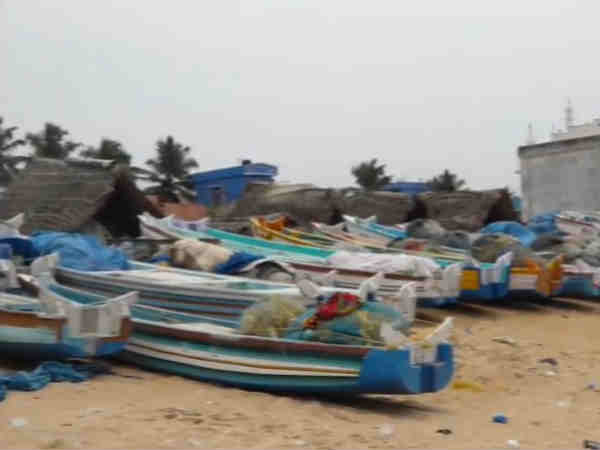 Fani: Kanyakumari collector calls fishermen to return to shore