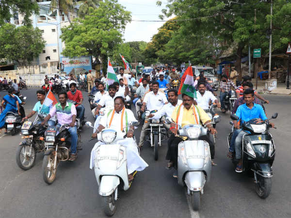 candidates ask vote in last day election campaign in pondicherry