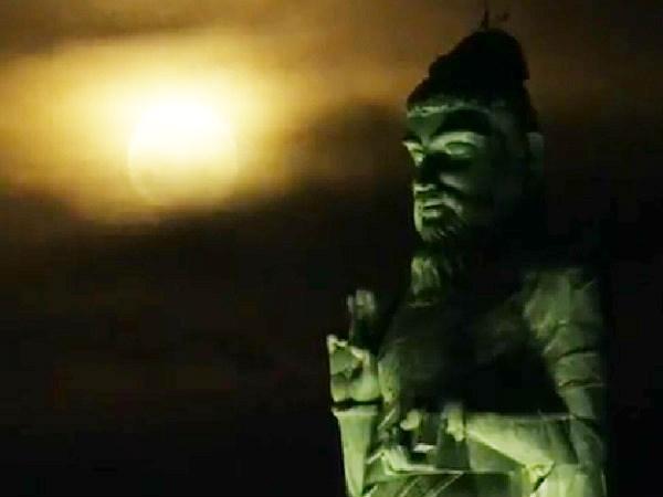 சித்திரைப் பௌர்ணமி... அழகிய நிலவு.. அரிய நிகழ்வு.. குமரியில் குவிந்த சுற்றுலாப் பயணிகள்