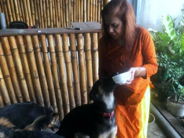 Srilankan woman gifts 5 pet dogs to Army for Explosive Detection Training