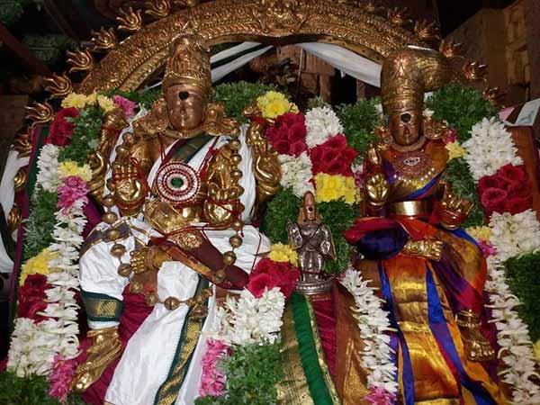 சித்திரை திருவிழா : தஞ்சை பெரிய கோவிலில் கொடியேற்றத்துடன் தொடங்கியது - 16ம் தேதி தேரோட்டம்