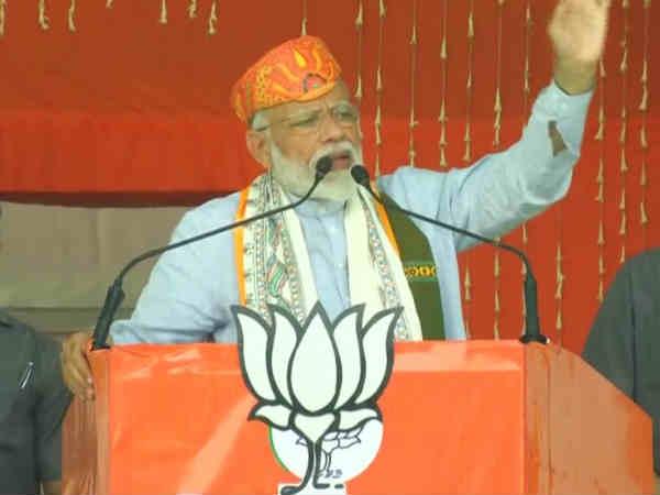பாஜக முதல்வர்கள், கூட்டணி கட்சி தலைவர்களுடன், 6 கி.மீ ரோடு ஷோ! வாரணாசியில் 'கெத்து' காட்டும் மோடி