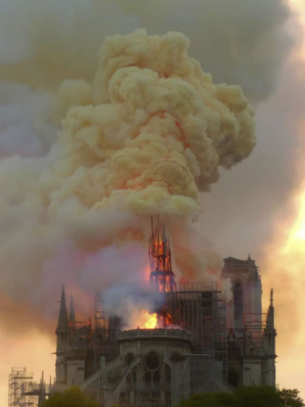 colossal fire swept through the famed Notre-Dame Cathedral in central Paris