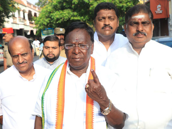 Polling goes in full swing in Puducherry