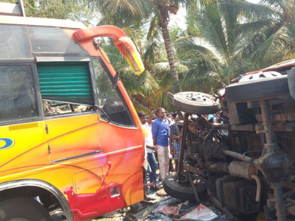 Tamil Nadu: 4 people killed, 18 people injured after 2 vehicles collided in Theni
