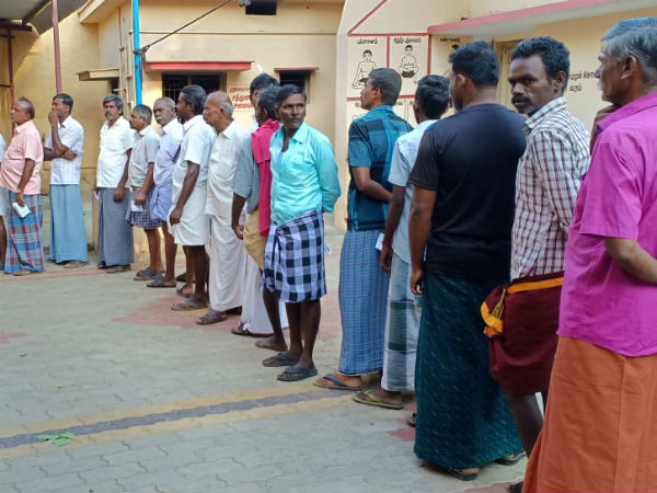 Brisk polling booths in tamilnadu .. with the invading peoples interest