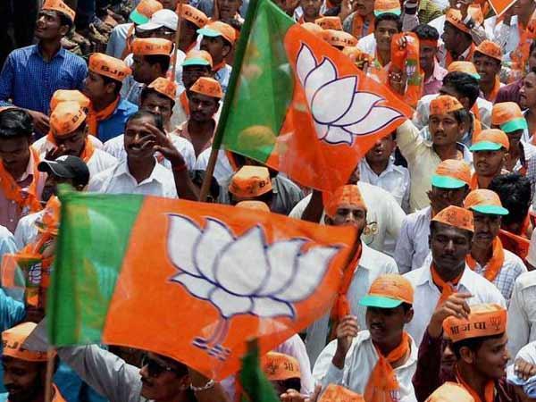 பாஜக கூட்டணி 306 தொகுதிகளை வெல்லும்.. டைம்ஸ் நவ்-விஎம்ஆர் அதிரடி எக்ஸிட் போல் முடிவு