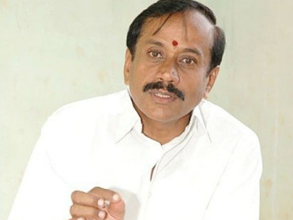 In Sivagangai, BJP Candidate H Raja distributes Sweets to voters