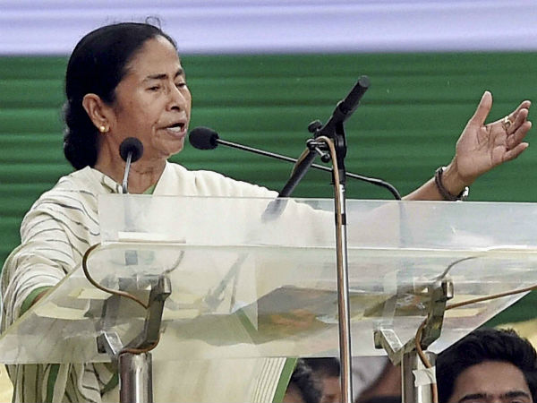 Mamata Banerjee slams EC for short campaign period