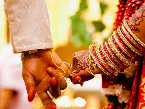குட் நியூஸ்... இந்தியாவில் குழந்தை திருமணம் 51 சதவீதம் குறைந்தது..  மகிழ்ச்சி! | Childhood marriage rate comes down half in india - Tamil  Oneindia