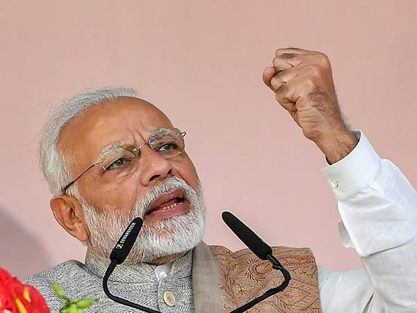 No.1 Corrupt Rajiv Gandhi, does not have any stains on Me Says Narendra Modi