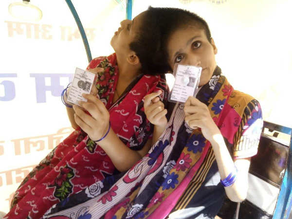 Conjoined sisters Saba and Farah cast their votes in Patna