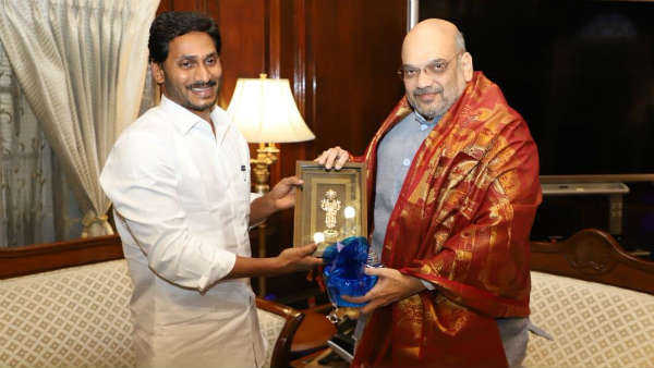 meets Amit Shah over special status for Andhra