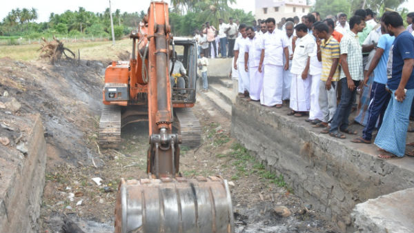 TN Minister launches cleaning of water resources