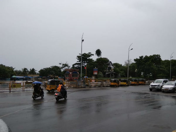 lightly rain lashed in chennai in the morning, people very happy