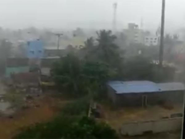 ஆஹா.. வந்துருச்சுய்யா.. சென்னையை முத்தமிட்ட முதல் மழை.. மண்மணத்தில் மயங்கிய மக்கள்!