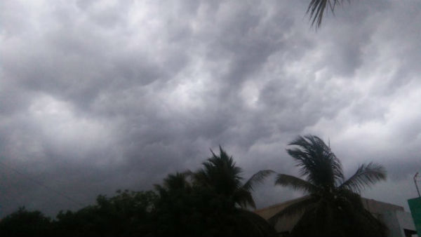 Mild rainfall in Chennai and surrounding areas. Due to the enveloping clouds