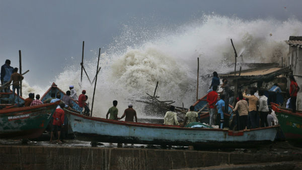 Cyclone Vayu wont hit Gujarat, It will pass nearby from Veraval, Porbandar and Dwarka
