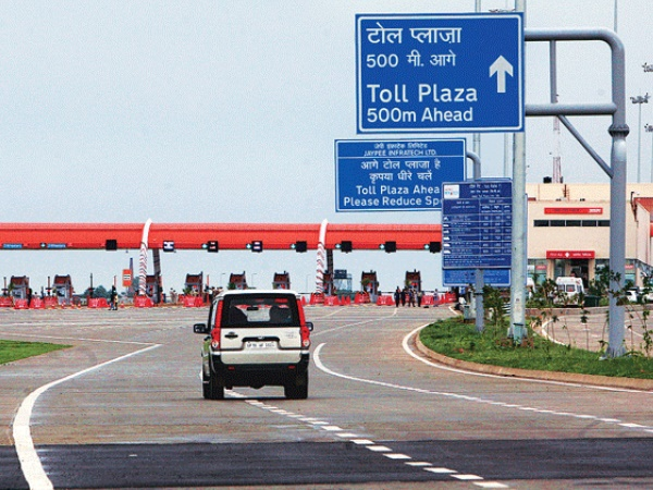 pay penalty if you cover Lucknow-Agra Expressway within 3 hours
