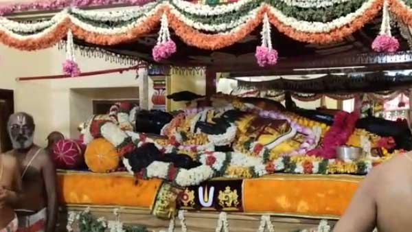 A large number of devotees darshan, athi varadar In Kanchipuram