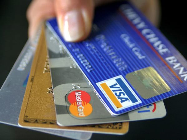 Woman stole credit card details of 10 crore users In USA