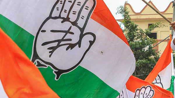 Congress shifts its Gujarat MLAs to Rajasthan