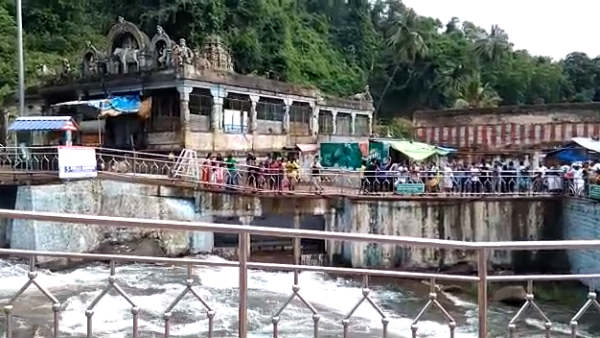 Floods at Courtallam Falls: Tourist bathing banned