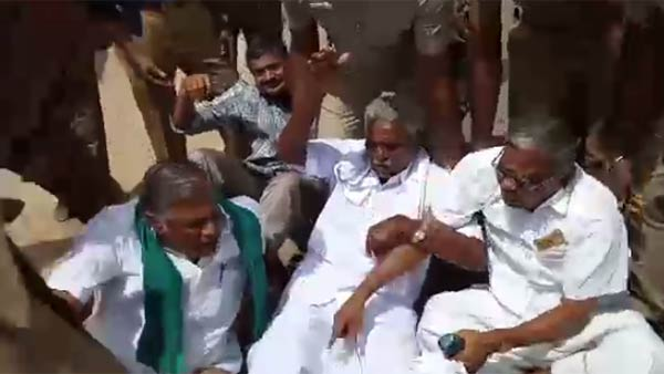 Erode Farmers protest against high voltage transmission line project