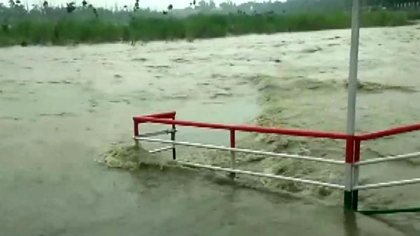 Ganga river flowing close to danger mark at 338.05 meter in Rishikesh