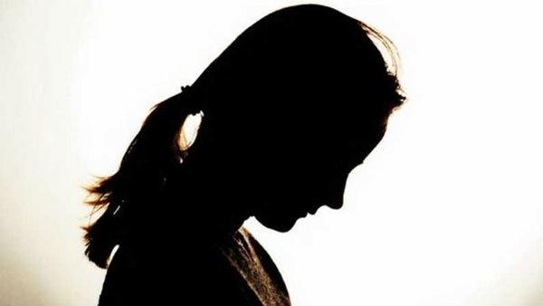 மகளுடன் 3 மாதம் பழகி விட்டு.. ஏமாற்றி எஸ் ஆக பார்த்த இளைஞர்.. வெட்டி வீழ்த்தினார் தந்தை!