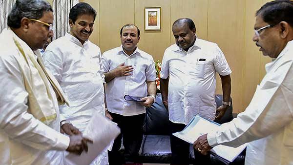 Congress seeks rebel MLAs disqualification
