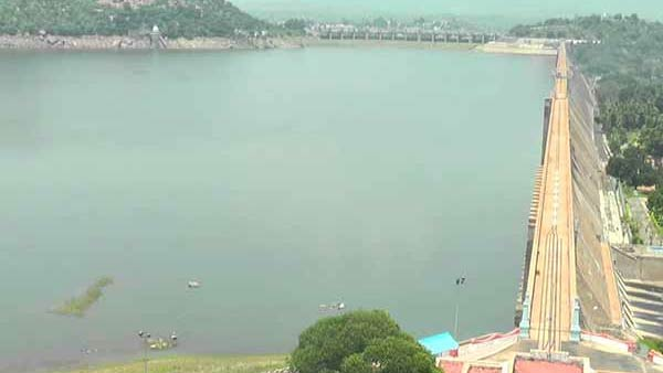 Heavy rainfall in Karnataka; Water level of Mettur Dam rises