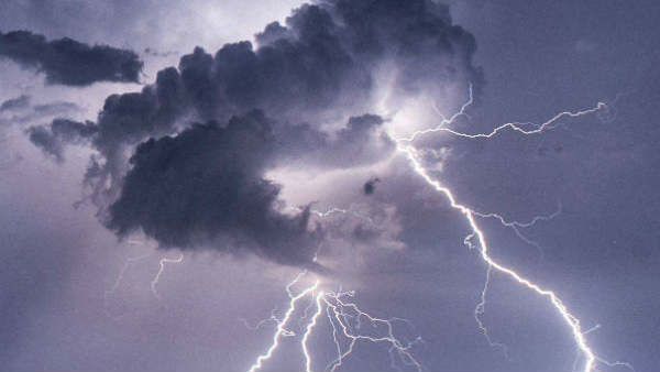 Bihar: 8 children dead & 9 injured after lightning struck