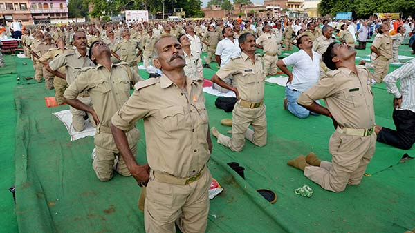Mandatory retirement to police who not fit in health : UP government order