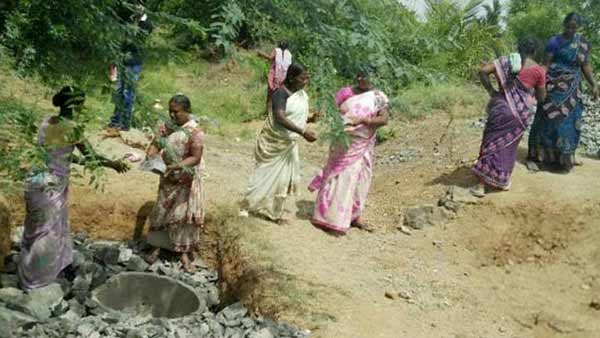 pm modi appreciated vellore kaniyambadi womens saved dead naganathi river