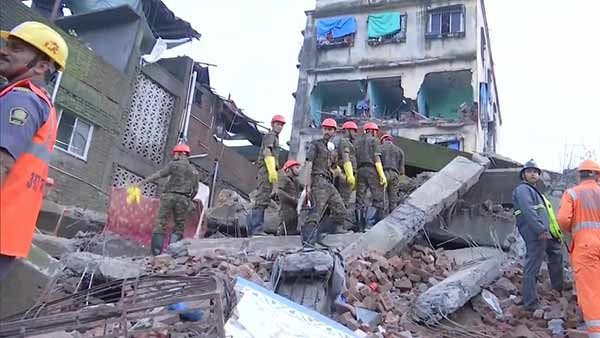 4 storey building collapses in Maharastra