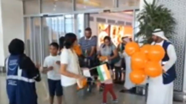Abu Dhbai aiport staffs celebrate Indias Independence day