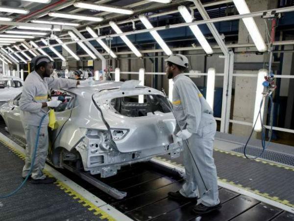பொருளாதார மந்தம்...10,000 ஊழியர்களை நீக்க பார்லே நிறுவனம் முடிவு?! Car-auto-manufacturing-720-770x433-1566276167