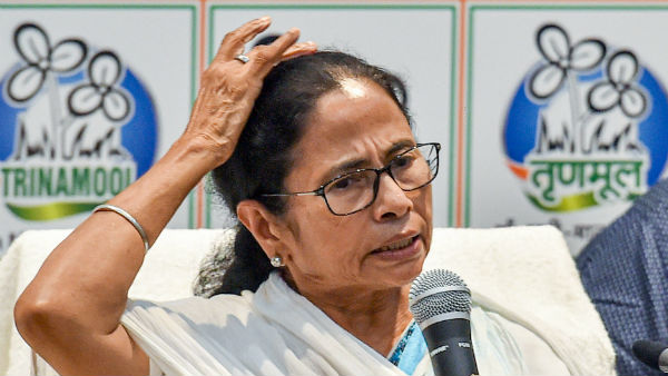 Human rights violated in Kashmir, says Mamata Banerjee