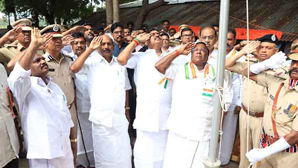 Narayanasamy calls Puducherry people to be united