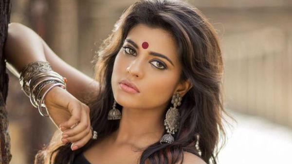 Actress Aiwarya Rajesh: அவர் அப்படி ஒன்றும் அழகில்லை...!