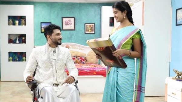 Aranmanai Kili Serial: அழகான புடவை.. பொட்டு.. ஆனாலும் என்னவோ மிஸ்ஸிங்!