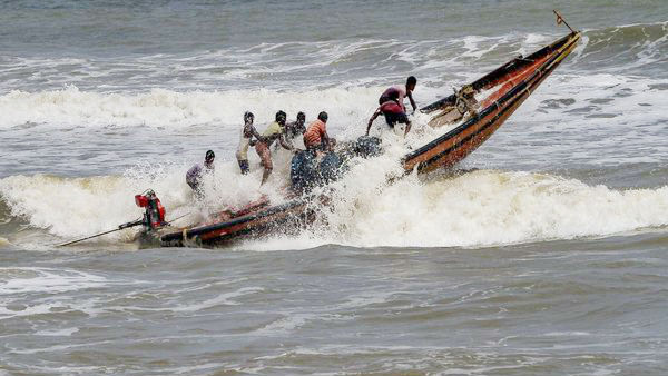 8 fishermen were drown in sea water near Rameswaram