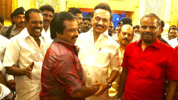mk stalin and saidai duraisami standing on the same stage