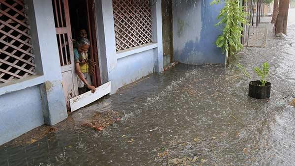4 மாவட்டங்களுக்கு ரெட் அலெர்ட்.. 16 மாவட்டங்களில் இன்று கனமழை.. வானிலை ஆய்வு மையம் எச்சரிக்கை!