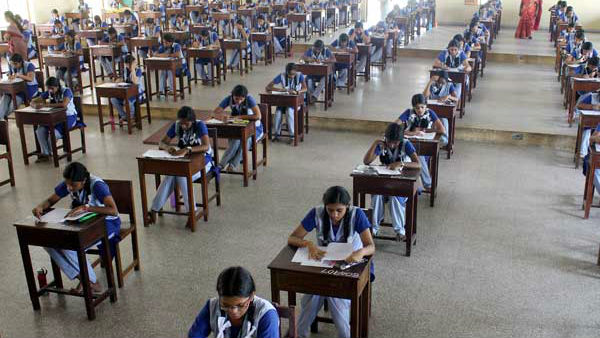 Tamilnadu school students will get extra half an hour for public exams
