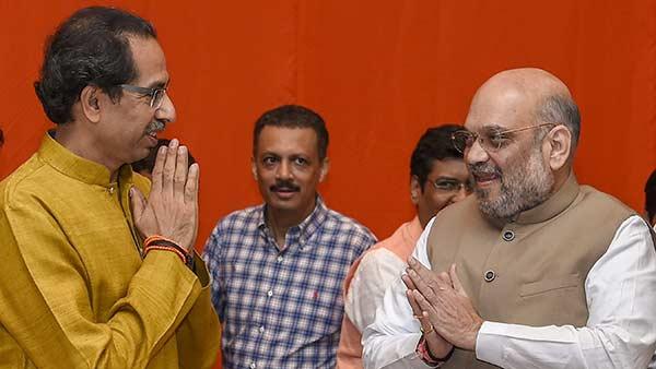 சிவசேனாவிற்கு ஷாக் தர ரெடியாகும் அமித் ஷா.. கூட்டணிக்கு கல்தா? மகாராஷ்டிராவில் என்ன நடக்கிறது?