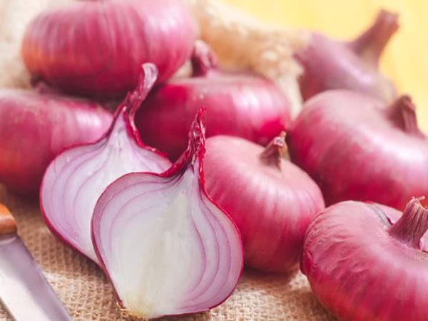 ராகுவின் காரகமான வெங்காயத்தை விரதம் இருப்பவங்க ஏன் சாப்பிடக்கூடாது  தெரியுமா? | The Many Astrological and Ayurveda Benefits of Onions - Tamil  Oneindia