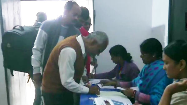Jharkhand Assembly Polls Live Updates: Voting for 13 constituency starts