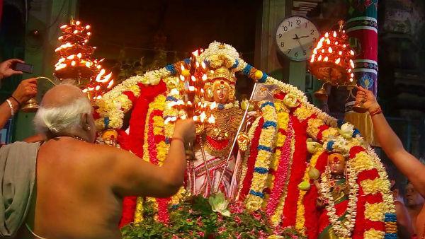 ஒரே சன்னதியில் குரு சக்கரத்தாழ்வார்